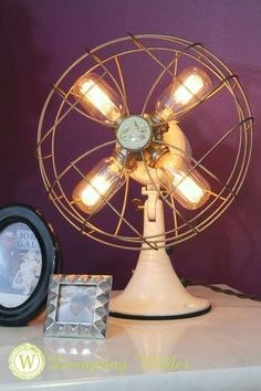 Flea Market Lighting Fan Lamp with Edison Light Bulbs by Designing Wilder. See … Flea Market Lighting Fan Lamp with Edison Light Bulbs by Designing Wilder. See more ideas in 22 Old Things That Make Awesome DIY Lamps. Vintage Fans, Vintage Diy, Vintage China, Vintage Travel, Vintage Style, Stylish Home Decor, Diy Home Decor, Luminaria Diy, Luminaire Original