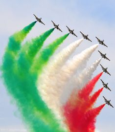 Independence Day Images Download, Independence Day Photos, Happy Independence Day India, Independence Day Background, Indian Flag Wallpaper, Indian Army Wallpapers, National Flag India, Indian Flag Photos, Plane Crafts