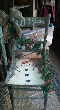 25 Amazing DIY Snowman Christmas Decoration Ideas for Outdoor - Snowman Christmas Decorations, Christmas Wood Crafts, Snowman Crafts, Primitive Christmas, Rustic Christmas, Christmas Projects, Holiday Crafts, Holiday Decor, Christmas Ideas