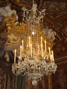 Chandelier, Apartment de la reine Marie Antoinette, Château de Versailles.