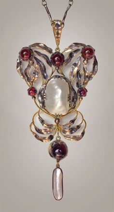 CHARLES ROBERT ASHBEE 1863-1942 attrib.  Superb Guild of Handicraft Pendant   Silver Gold Garnet Pearl       British, c.1897