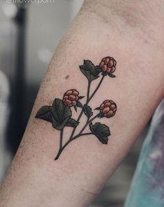 The Gorgeous Flower Tattoos Of Olga Nekrasova Subtle Tattoos, Top Tattoos, Fake Tattoos, Couple Tattoos, Black Tattoos, Body Art Tattoos, Small Tattoos, Tatoos, Gap Filler Tattoo