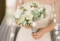 30 Bridal Bouquets Perfect for Spring Weddings