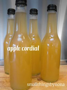 apple cordial (or syrup)- a recipe - uses the peels and cores leftover from making apple butter (Diy Apple Butter) Summer Drinks, Cocktail Drinks, Fun Drinks, Alcoholic Drinks, Beverages, Cocktails, Refreshing Drinks, Homemade Alcohol, Homemade Liquor