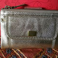 Gold multifunction *A* Fossil Wallet This very classic  good enough to fit any  bag. Without tag New Fossil Bags Wallets