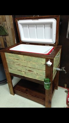 Reclaimed wood cooler stand