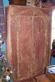 love all primitive cupboards!!!!