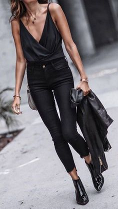 Love this all black outfit! It's perfect for a night out!