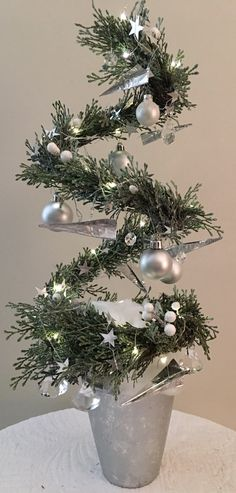 Traveling on a jet plane Creative Christmas Trees, Christmas Minis, Holiday Tree, Christmas 2017, Christmas Time, Christmas Wreaths, Christmas Crafts, Christmas Ornaments, Holiday Decor