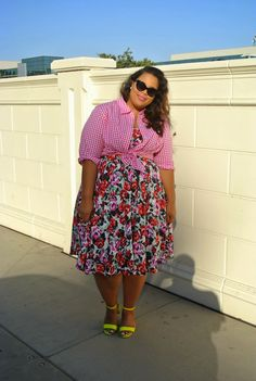Plus Size Gingham & Floral Print Outfit via garner style