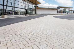Danneels Kluisbergen #Stadsbader #Building #retail Building Department, School Building, Retail, Sleeve, Retail Merchandising