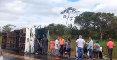 MATA DE SÃO JOÃO: Acidente com ônibus deixa dez pessoas feridas na BA-093