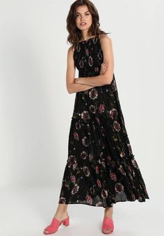 "Free People. GARDEN PARTY  - Maxi dress - black combo. Fit:regular. Outer fabric material:100% viscose. Our model's height:Our model is 71.0 "" tall and is wearing size 10. Pattern:floral. Care instructions:Hand wash only. Details:adjustable straps. Len..."