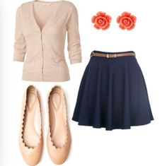 I love this outfit. It's simple, but cute at the same time. Spring and early summer outfits never got this good...