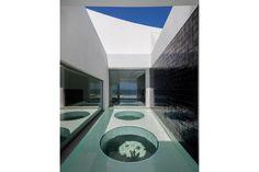 image Cool Pools, Bathroom Lighting, Skylights, House Design, Windows, Mirror, Cool Stuff, Contemporary, Image