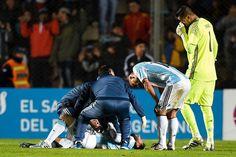 Lionel Messi keluar lapangan di babak kedua saat Argentina menang 1-0 dari Honduras pada hari Jumat dengan punggung bawah memar.