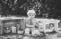 baby boy patisserie photo shoot, milk bottles sessao de fotos bebe menino confeitaria