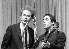 Simon Garfunkel, Paul Simon, Acoustic, Singers, Musicians, Cool Pictures, Folk, Celebs, Actors