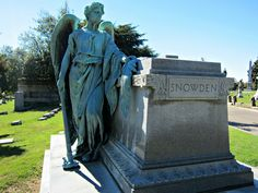 The history of the rural cemetery movement, which brought Victorians to picnic among tombstones.