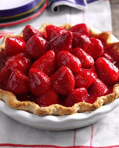 Ever Fresh Strawberry Pie Next time you get a pint or two of perfectly ripe strawberries, make this favorite pie. It combines fresh berries and a lemony cream cheese layer. If you're in a hurry, use a premade pie shell. Pie Recipes, Dessert Recipes, Cooking Recipes, Fast Recipes, Strawberry Desserts, Raspberry Rhubarb, Strawberry Cream Pies, Strawberry Glaze, Blackberry Pie