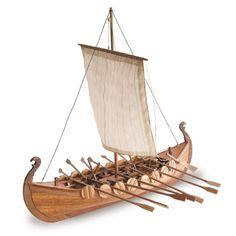 VIKING - Construye esta réplica de los famosos barcos vikingos de Gokstad, armados en el siglo X para la guerra, el comercio y el transporte de personas y mercancía, y maniobrados a remo y a vela. // The llauds were the typical craft of the Balearic Islands from the 18th century until 1950.