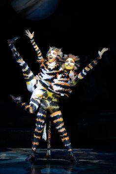 Mungojerrie & Rumpelteazer- Cats the Musical - On Tour Cats The Musical Costume, Cats Musical, Cat Costumes, Musical Theatre, Jellicle Cats, Cat Movie, Cat Makeup, Cat Doll, Tours