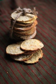 Oil Free Healthy Chickpea Crackers!!!!! Yum!!! Perfect crackers... Delicious, healthy and so easy to make!! No dehydrator needed... Make them in the oven! #vegan #easy #healthy #oil-free_Mix all the ingredients together and put them in the oven for 25-30 min. at 350 F (160 C)