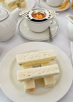 If serving these elegant sandwiches for afternoon tea, remove the crusts and cut each into 4 triangles or 2 rectangles. Arrange in stacks of 2 alongside the rest of your tea sandwiches. Sandwiches Afternoon Tea, Tea Party Sandwiches, Afternoon Tea Recipes, Afternoon Tea Parties, Finger Sandwiches, Tea Cookies, C'est Bon, Sandwich Recipes, Gastronomia