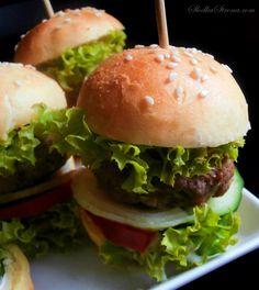 Mini Hamburgery - Słodka Strona - Przepis Mini Hamburger, Little Bunny Foo Foo, Mini Burgers, Three Little Pigs, Mellow Yellow, Cooking, Ethnic Recipes, Impreza, Food