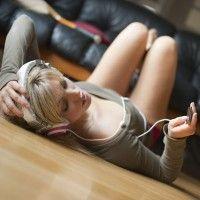 Картинки девушки блондинки со спины силуэты зимой