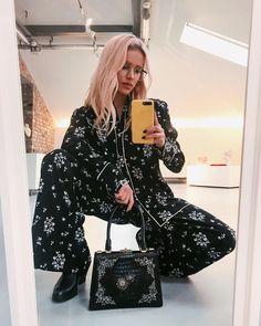 """31.5k Likes, 143 Comments - Julia K. (@maffashion_official) on Instagram: """"Widzieliście już kolekcje @hm x @erdem? Mnóstwo kwiatowych motywów, piękne hafty i nadruki, proste…"""""""