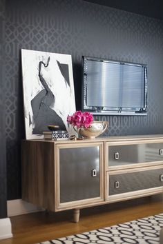 High gloss lighter shade design over matt to look like wall paper on tv wall?? or wall behind bed in master br