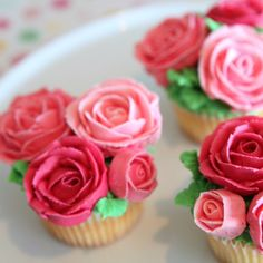 Rose Cupcake Bouquet Rose cupcakes to brighten your day.You can find Rose cupcake and more on our website.Rose Cupcake Bouquet Rose cupcakes to brighten your day. Rose Cupcake, Flower Cupcakes, Cupcake Cakes, Cupcake Bouquets, Garden Cupcakes, Ladybug Cupcakes, Kitty Cupcakes, Kid Cakes, Snowman Cupcakes