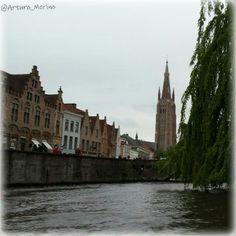 Por los canales de Brujas. Bélgica