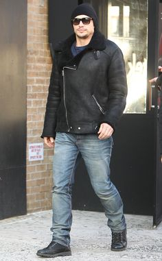 Discover some great mens fashion. With so much fashion for guys to pick from nowadays, it can be a overwhelming experience. Look At These Men's Jackets. Types Of Jackets, Jacket Types, Men's Jackets, Great Mens Fashion, Men's Fashion, Street Fashion, James Franco, Lightweight Jacket, Quilted Jacket
