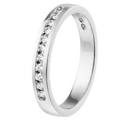 Kalevala Koru / Kalevala Jewelry / Jääkukkia-sormus 11 x 0,01 ct / 18K valkokulta tai keltakulta /  #sormuskertootarinaa