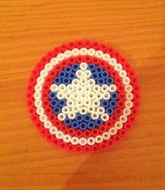 Perler Beads - Captain America's Shield Sophia S. Perler Bead Designs, Diy Perler Beads, Perler Bead Art, Pearler Beads, Fuse Beads, Melty Bead Patterns, Hama Beads Patterns, Beading Patterns, Peyote Patterns