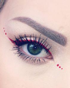 Rote Eyeliner-Tipps zum Valentinstag-Make-up - Red Eyeliner Tips for Valentine's Day Makeup - Makeup Eye Looks, Eye Makeup Art, Cute Makeup, Eyeshadow Makeup, Makeup Tips, Glitter Eyeshadow, Eyeshadow Palette, Burgundy Eyeshadow, Eyeshadow Pencil