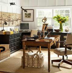 Add color to your home office. The home office should be an ideal space for the development of creativity, Home Office Space, Office Workspace, Home Office Design, Home Office Decor, House Design, Home Decor, Office Ideas, Office Furniture, Gothic Furniture