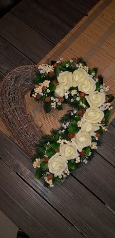 Funeral Flower Arrangements, Funeral Flowers, Floral Arrangements, Grave Decorations, Christmas Decorations, Memento Mori, Art Floral, Ikebana, Flower Power