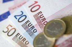 De waarde van de euro ten opzichte van de dollar is vrijdag gezakt naar het laagste niveau van het jaar. De Europese munt staat sinds de verkiezing van Donald Trump als president van de Verenigde Staten onophoudelijk onder druk en is daardoor bezig aan de langste negatieve reeks sinds de invoering van de munt in 1999.