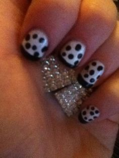 cute black and white nails by Malou via twitter.com/tbdofficial