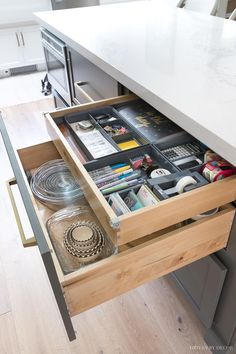Cabinet Storage & Organization Ideas From Our New Kitchen! There are SO many fabulous kitchen cabinet storage and organization ideas in this post! Perfect if you're going to remodel your kitchen or just want to organize the one you already have! Kitchen Drawer Organization, Kitchen Cabinet Storage, Kitchen Drawers, Storage Cabinets, Organization Ideas, Pantry Cupboard, Storage Ideas, Organizing, Kitchen Island Storage
