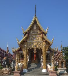 2013 Photograph, Wat Saen Muang Ma Luang Phra Wihan, Tambon Sri Phum, Mueang Chiang Mai District, Chiang Mai Province, Thailand, © 2013.  ภาพถ่าย ๒๕๕๖ วัดแสนเมืองมาหลวง พระวิหาร ตำบลศรีภูมิ เมืองเชียงใหม่ จังหวัดเชียงใหม่ ประเทศไทย