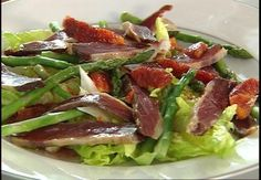 Insalata di anatra affumicata, asparagi e fichi | Alice.tv