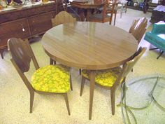 Mid Century Formica Dinette Set Table & 4 Chairs - Never Used Vintage - Pristine