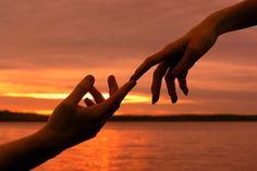 В ПОИСКАХ СЕБЯ. СМЫСЛ СУЩЕСТВОВАНИЯ ЧЕЛОВЕКА. СМЫСЛ ЛЮБВИ. Те, кто ищет истинное своё предназначение, пытается обнаружить смысл своей жизни, и нахождение смысла любви – это проявленное чудо в самой прямой сути,  дарованное нам судьбой. Любовь троична – секс, влюблённость и любовь.