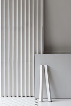Buy online Rombini triangle white By mutina, indoor porcelain stoneware wall cladding design Ronan & Erwan Bouroullec, rombini Collection Cladding Design, Wall Cladding, Interior Walls, Home Interior, Material Board, Wall Finishes, Wall Patterns, Wall Treatments, Tile Design