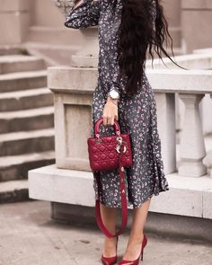 66 отметок «Нравится», 3 комментариев — ELL ( Эль) Design (@elldesign_) в Instagram: «Платье серое миди 6500 ₽ . Размеры: xs / s / m / l . Состав: вискоза 100 % Для заказа WhatsApp…»