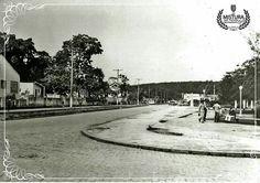 Esquina Rua Álvares de Castro com Domicio da Gama, na Praça  Orlando de Barros Pimentel.